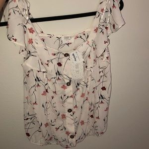 Cute pink and white floral top